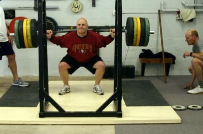 Kyle_squats_140kg_3